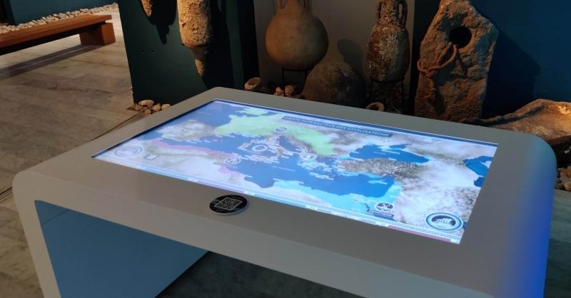 table tactile atlas des civilisations
